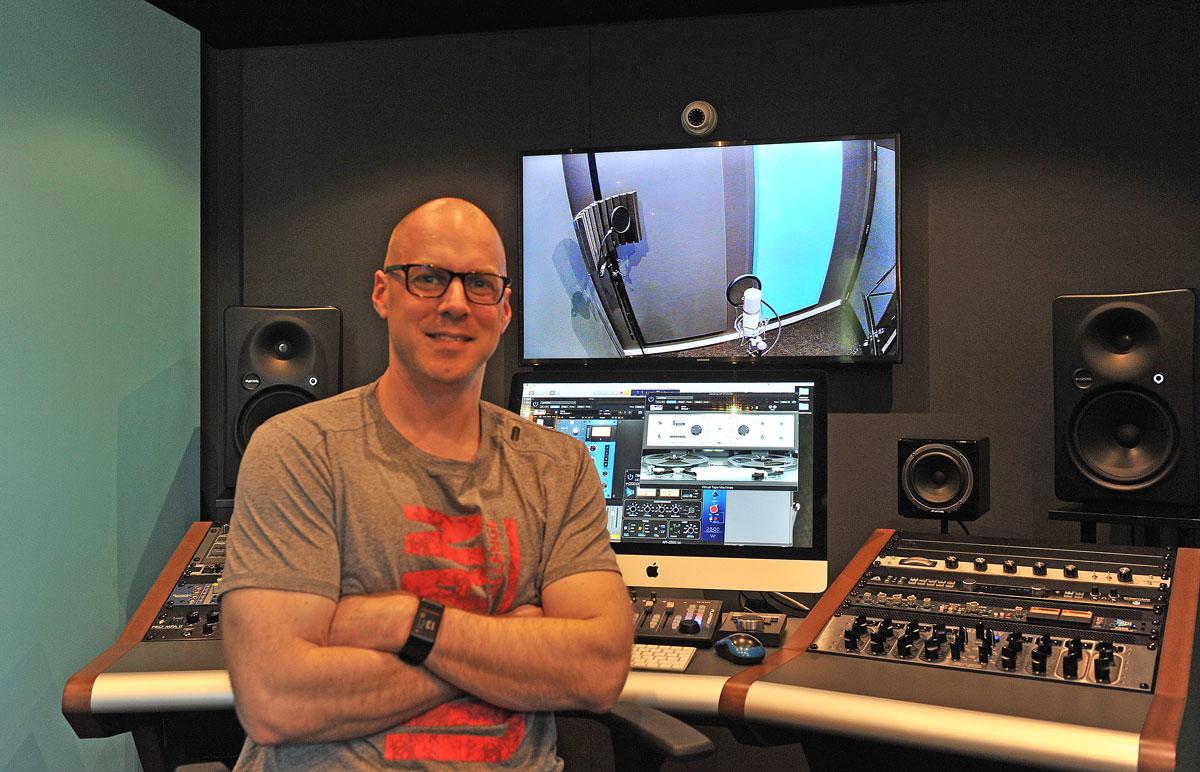 2018---Marcel-in-studio-2----1200-EDIT